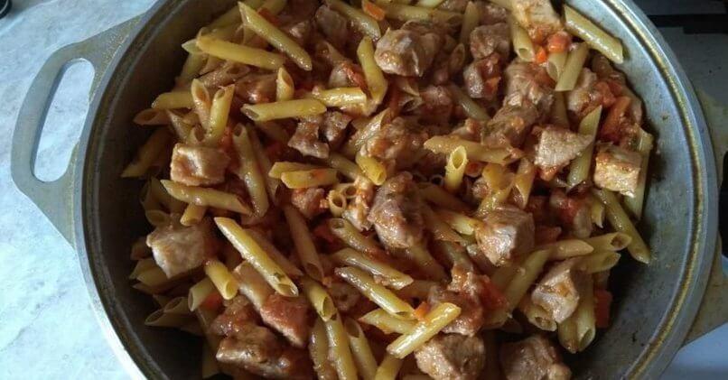 Макароны с мясом в казане