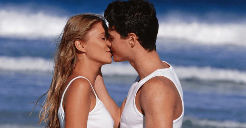 Как поцеловать парня