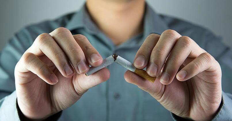 Как заставить парня бросить курить