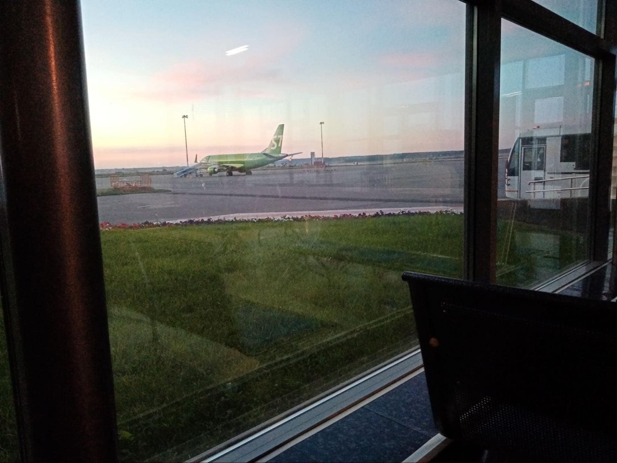 Самолет компании S7 – на нем летел в Москву